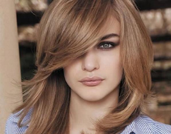 Tagli di capelli con frangia piena