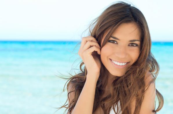 Trattamento a forfora e una perdita di capelli a donne