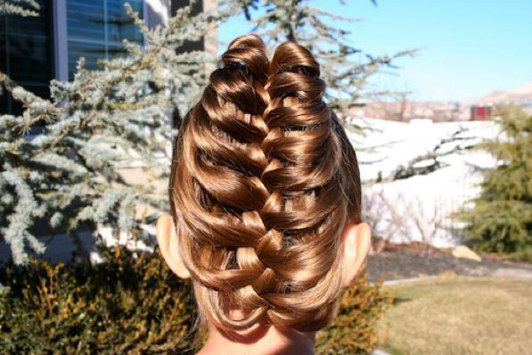 Acconciatura veloce per capelli lunghi- la Cage Braid.