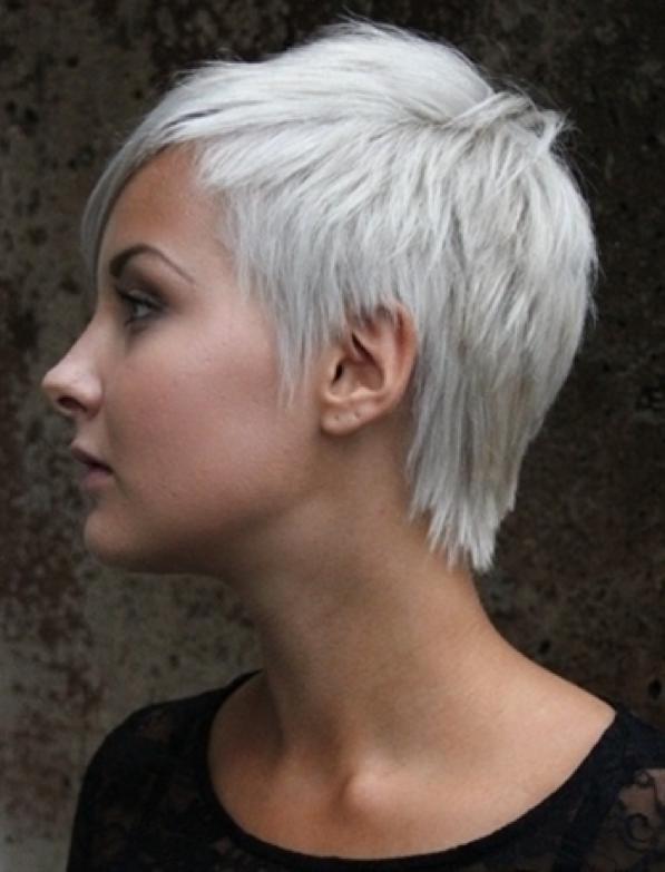 Taglio capelli bianchi donna