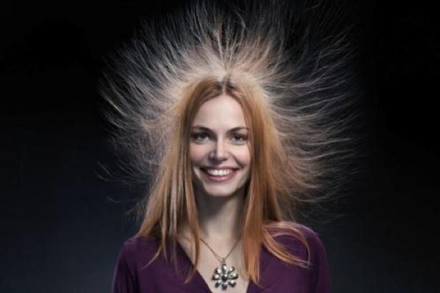 Capelli elettrici, cosa fare? Cause, soluzioni e rimedi