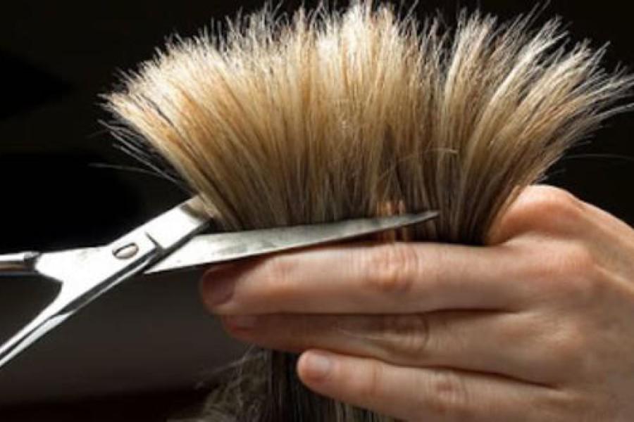 Spuntare i capelli per farli crescere più velocemente, fa bene?