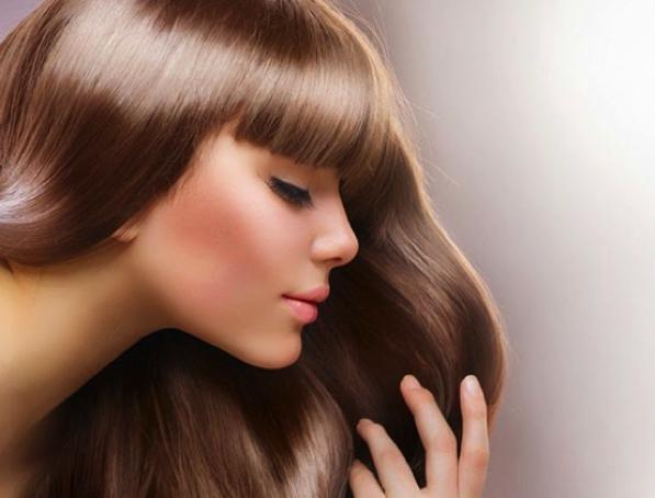 Consigli per capelli e pettinatureBagno di colore capelli: cos\'è e ...