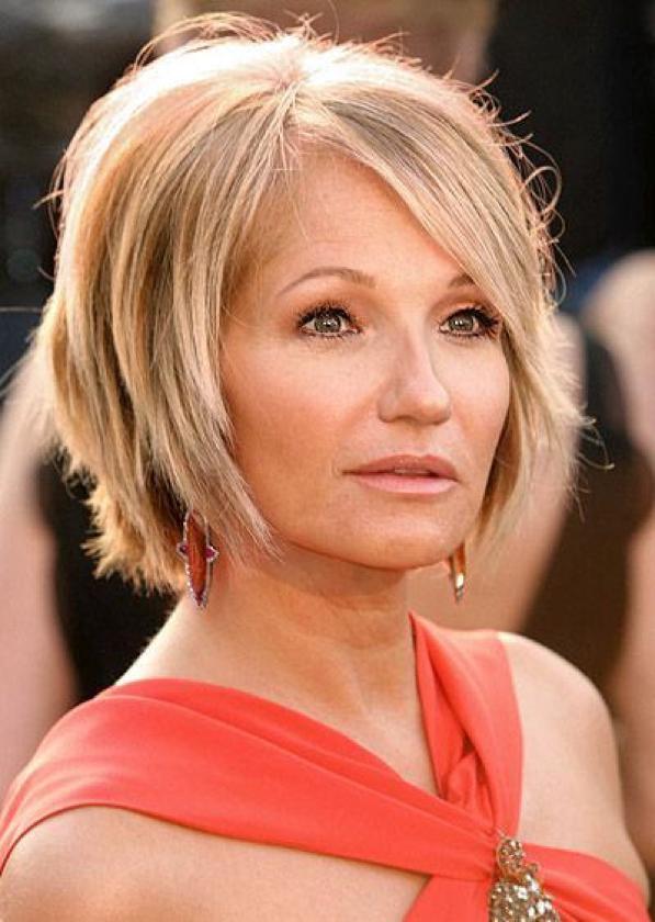 Tagli per sembrare più giovani - ecco i capelli anti-età 6