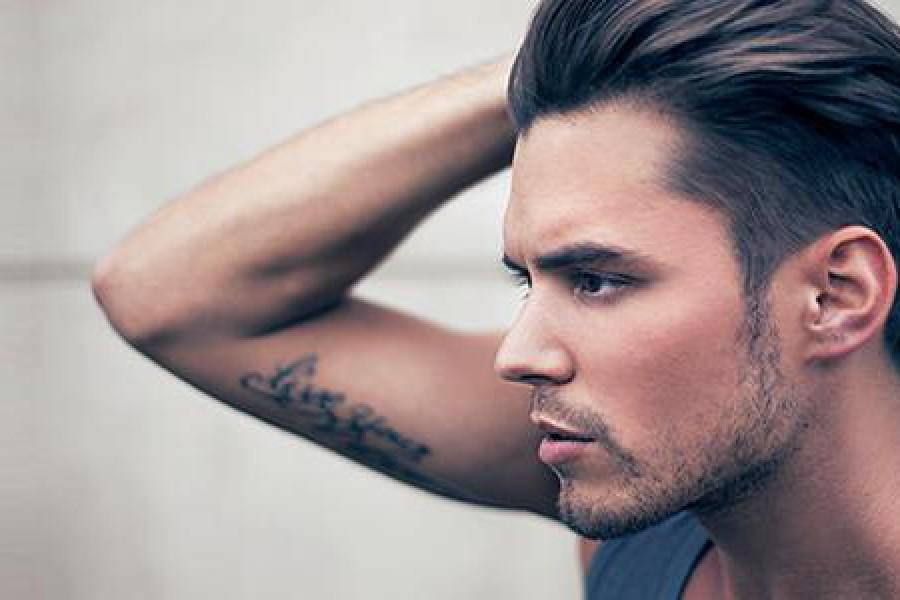 Cura dei capelli uomo: consigli e rimedi