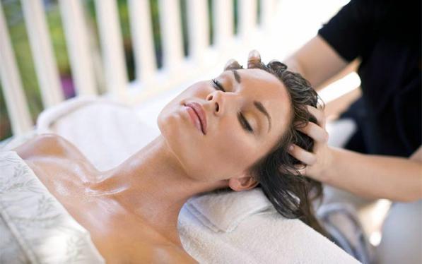 Massaggio capelli e cuoio capelluto - ecco un rimedio anti-caduta 2