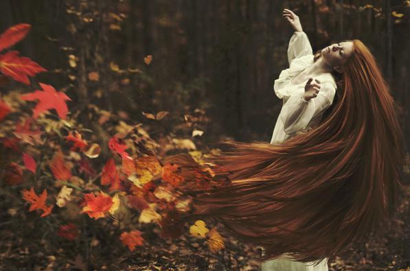 Cura dei capelli in autunno: consigli e rimedi dopo l'estate