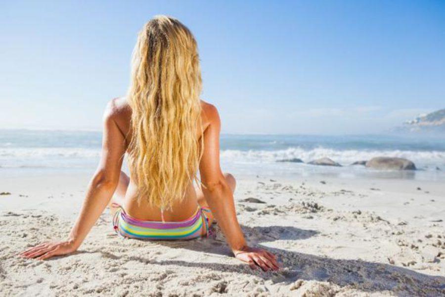 Capelli in estate: consigli per la cura e la protezione dei capelli al mare e in spiaggia