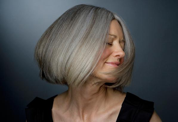 Consigli per capelli e pettinaturecapelli bianchi o grigi - Bagno di colore copre i capelli bianchi ...