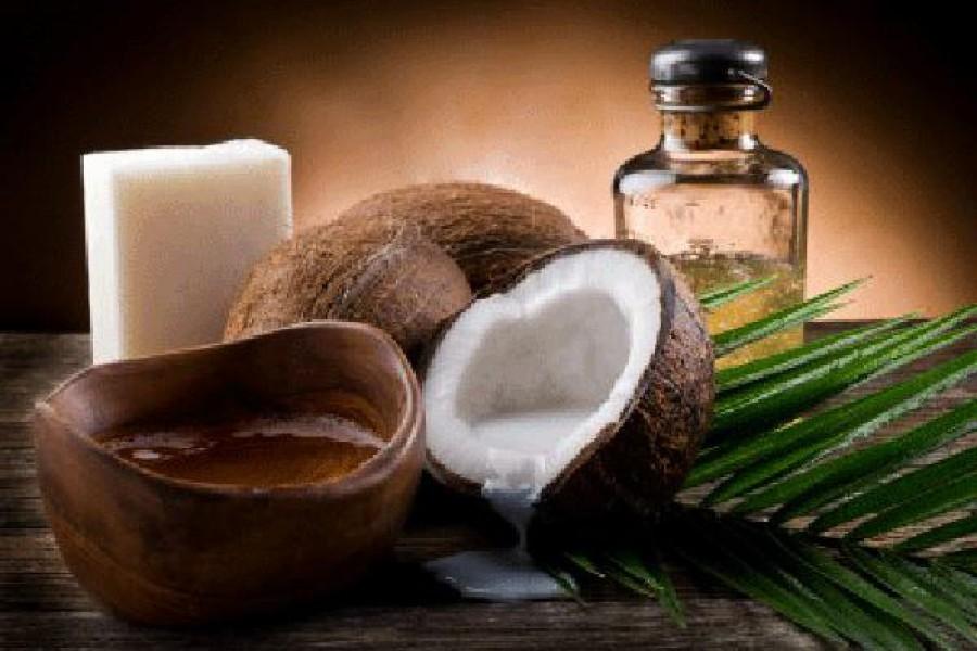 Forfora secca: ecco il rimedio naturale all'olio di cocco