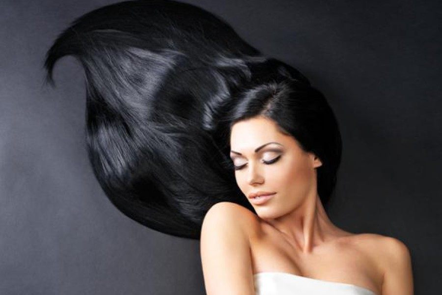 Capelli neri: tagli e colori per valorizzarli