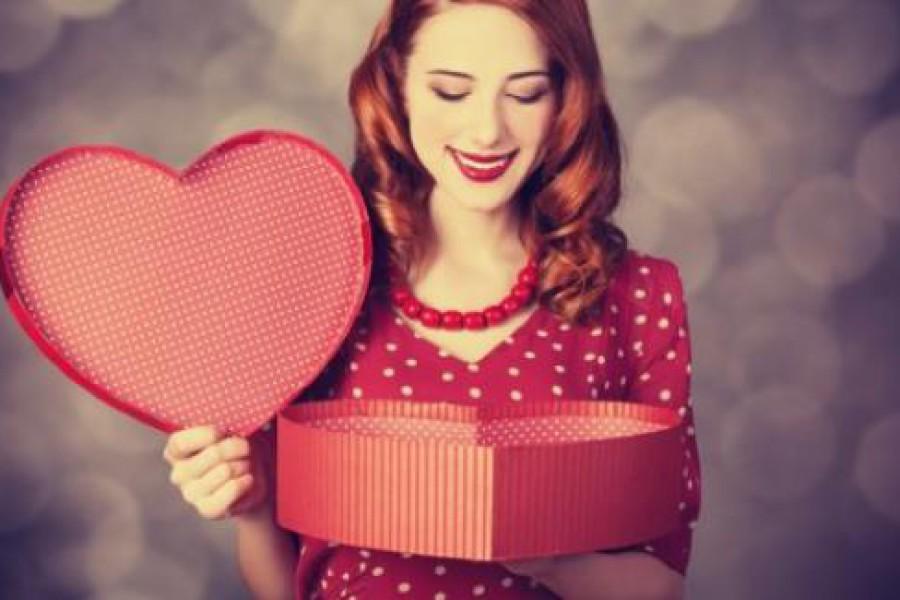 Capelli per San Valentino: acconciature semplici e romantiche